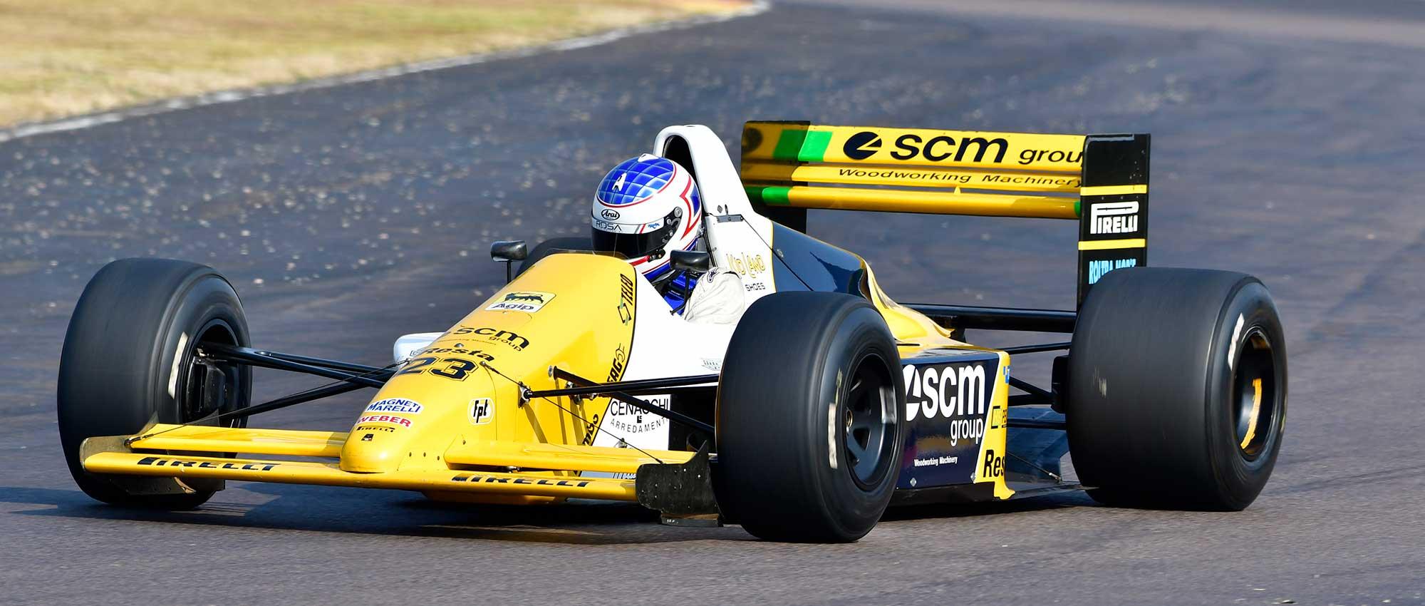 Ian-Schofield---1989-Minardi-M189-Cosworth---photo-Dave-Ledbitter---1